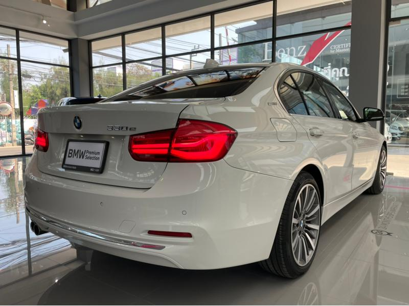 BMW 330e F30 Sedan 4dr Steptronic 8sp Rear Wheel Drive 2.0Ti (Luxuly, Hybrid)