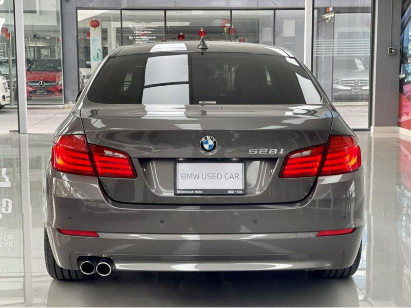 BMW 528i F10 Sedan 4dr Steptronic 8sp Rear Wheel Drive 2.0iTTi