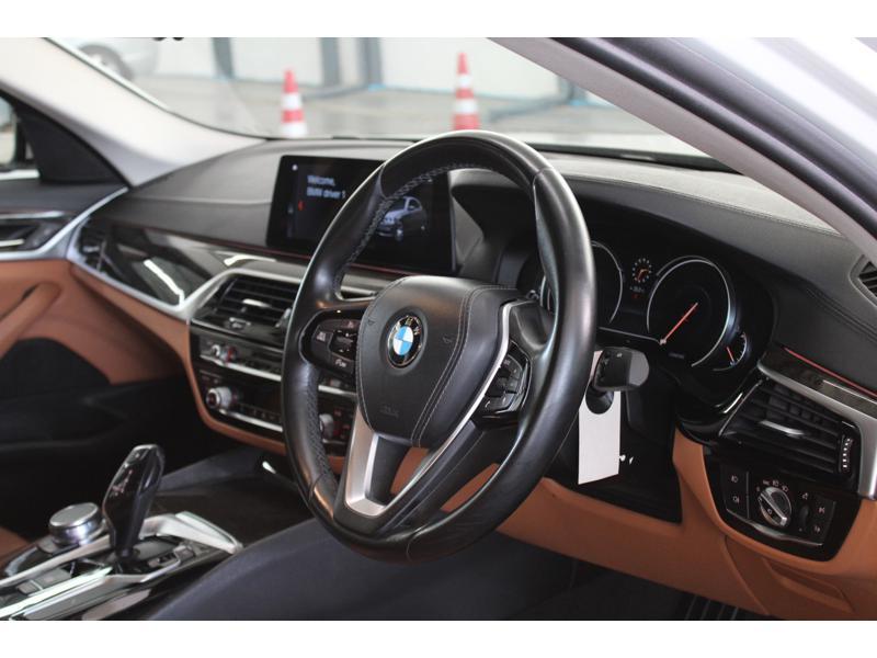 BMW 520d G30 Sedan 4dr Sport Steptronic 8sp Rear Wheel Drive 2.0DTi